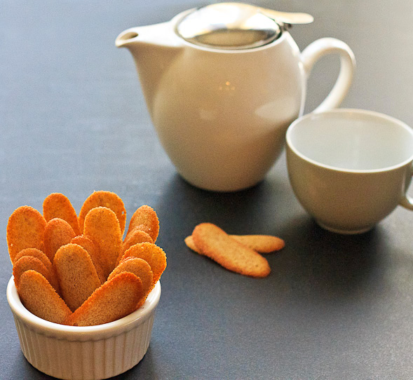 Lengua De Gato is great with coffee or tea.