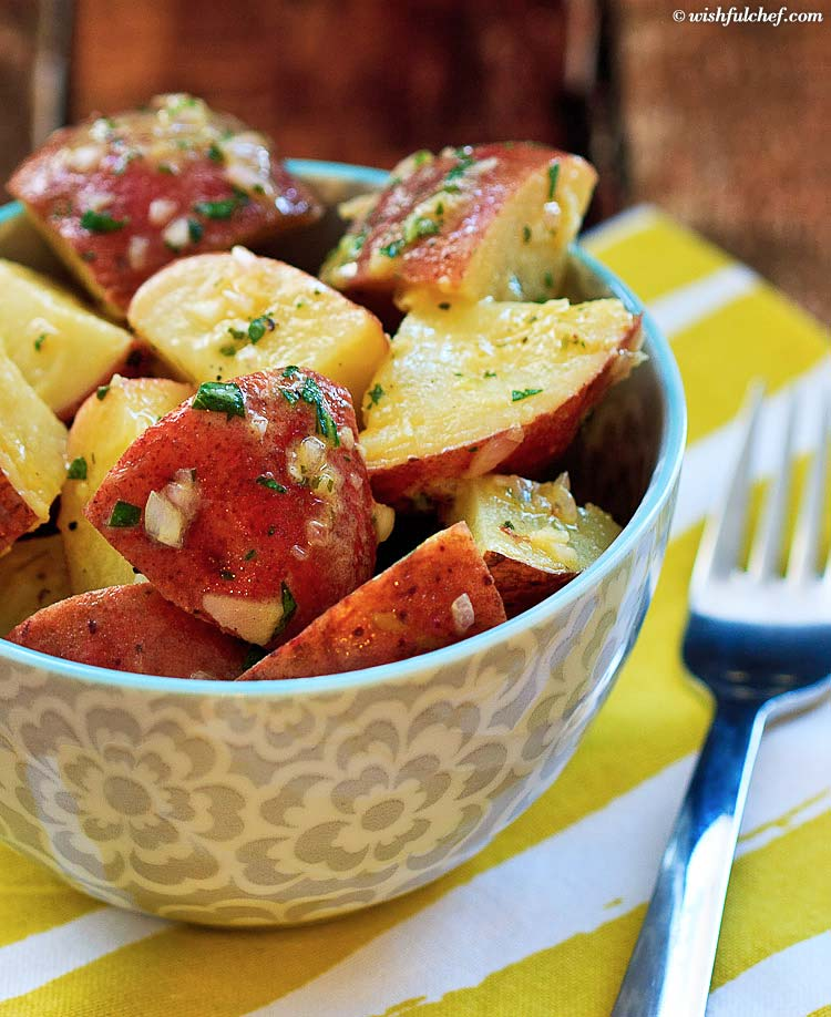 Easy No-Mayo German Potato Salad